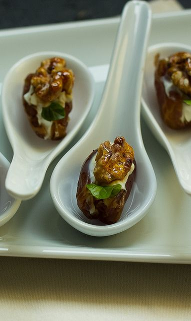 Gruß aus der Küche Datteln Minze Walnuss (Amuse bouche with dates,mint & Walnut)  by Lunchforone