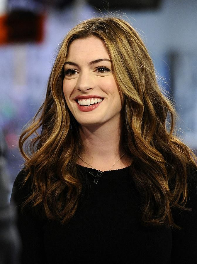 Celebrity Lookbooks: Anne Hathaway at The Today Show, New York