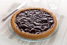 La crostata senza zucchero è facile da preparare. Lo zucchero è sostituito dal malto di riso e la dolcezza è data dalla confettura ai lamponi.