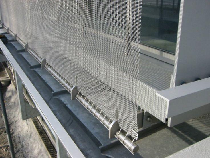 Las mallas de acero de Sysprotec para fachadas se destacan por su resistencia y durabilidad antes climas adversos o salinos. Es de fácil instalación y está disponible en una amplia gama de tejidos. Colaboran con el ahorro energético ya que permite detener el paso del sol según abertura de cada tejido.