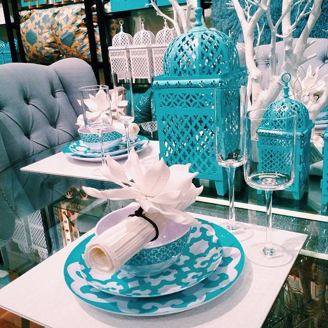 Stop in one of our stores to get inspired for your spring entertaining.