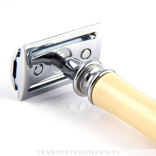 Ekskluzywna kolekcja maszynek manufaktury Edwin Jagger THE CHATSWORTH COLLECTION.Zamknięty grzebień, 3 częściowa, chromowana, rączka imitująca kość słoniową. Każdy szczegół maszynki został dopracowany przez fachowców Edwin Jagger - precyzyjnie wykonany grzebień oraz solidna rączka sprawią, że codzienne golenie jest przyjemnością.