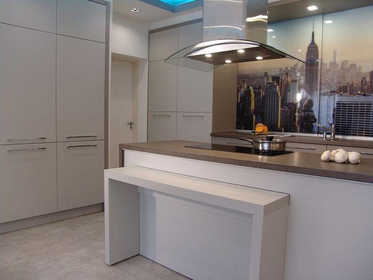 A lakberendezésben a konyha egy külön terület. Fontos feladatot látunk el ennek a helyiségnek a megtervezésekor. Egyrészt azért mert nem két...