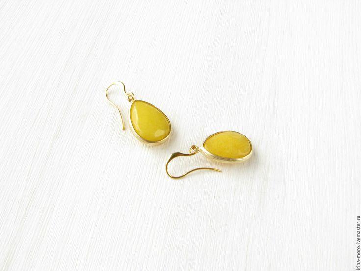 "Купить Серьги ""Вспышка солнца"" подарок желтые подвески с нефритом капля - серьги желтые в подарок. Earrings ""Flash of the sun"" gift. Earrings yellow jade pendants.  #earring #jewelry #whiteearrings #goldearrings #dangleearrings #agate #longearrings #bridalearrings #oscarstyle #oscarearrings #luxuryjewelry #yellowearrings#fashionjewelry #pearlearrings #earringdangle #statementearrings #etsy #handmade"