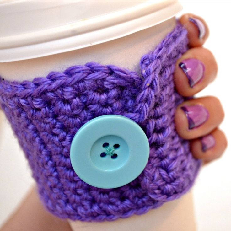 Crochet Coffee Cup Cozy with button ~ I love how simple this pattern is and how the ridge is perfect, as the fingers just 'hugs' the cup so nicely.