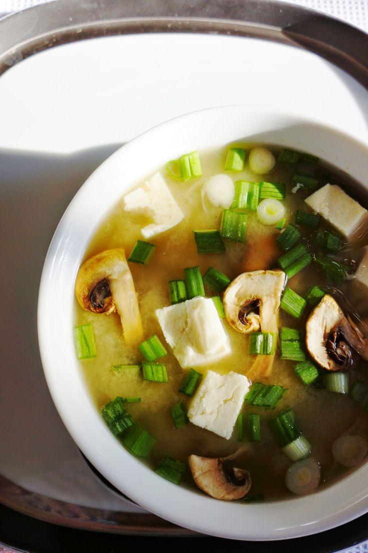 Ralu TeRa: Vegan white miso soup