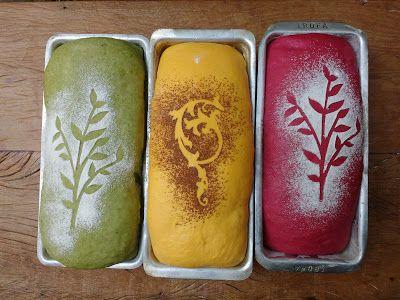 Pães de forma de fermentação natural coloridos com abóbora, taioba e beterraba