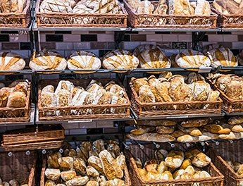 BeautyHack выбирает полезный хлеб вместе со специалистом по питанию Ольгой Шумской.  Делимся советами!  http://beautyhack.ru/telo/pitanie/vsemu-golova
