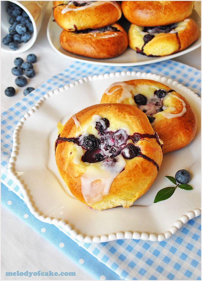 brioche-blueberries-cream-cheese