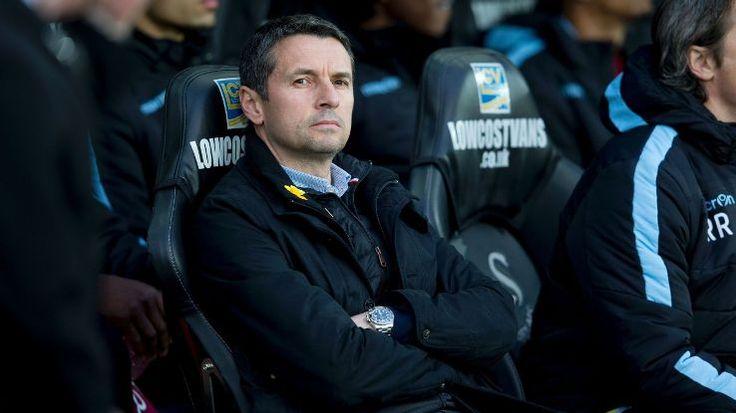 Manajer Remi Garde telah meninggalkan klub Aston Villa dengan persetujuan bersama.Eric Black telah ditunjuk sebagai pelatih sementara.