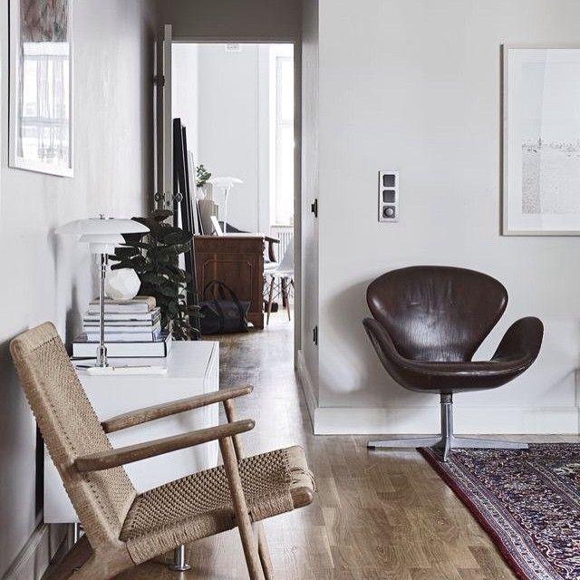 Swan lounge chair by Arne Jacobsen | Fritz Hansen. CH25 by Hans J. Wegner | Carl Hansen & Son.