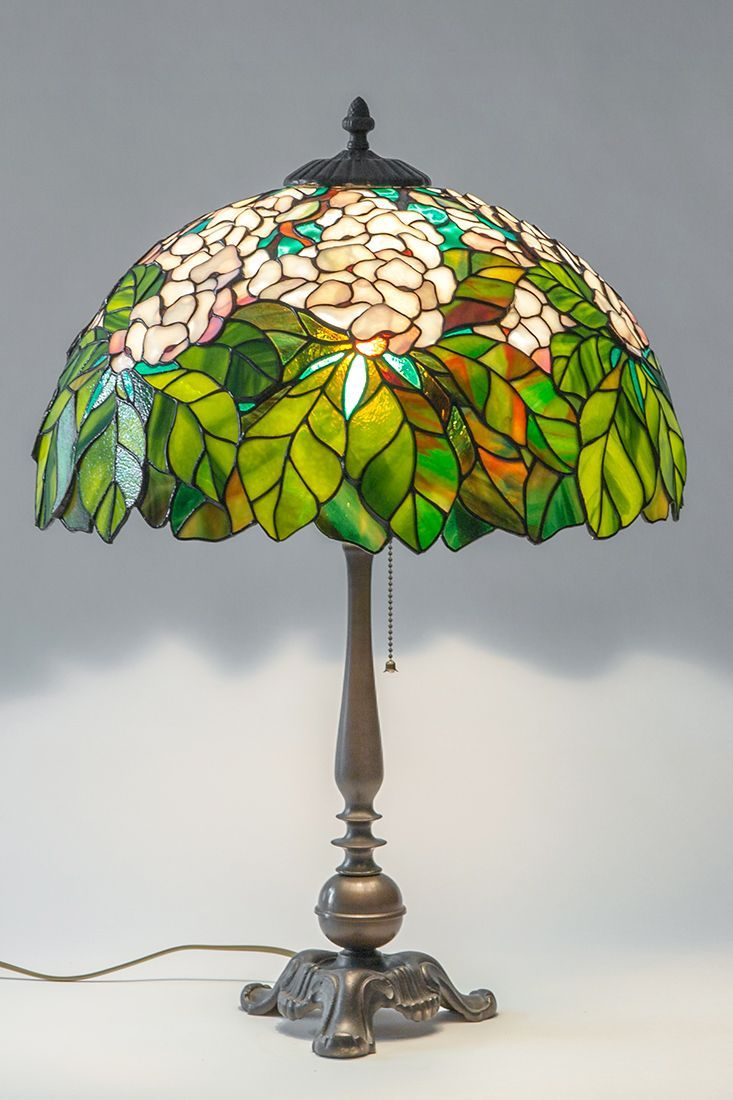 Sorte Nouveau Stained Glass Lamp Gift For Housewarming Tiffany Lamp Shade Unique Table Lamp In 2020 Glasmalerei Betonlampe Nachtleuchte