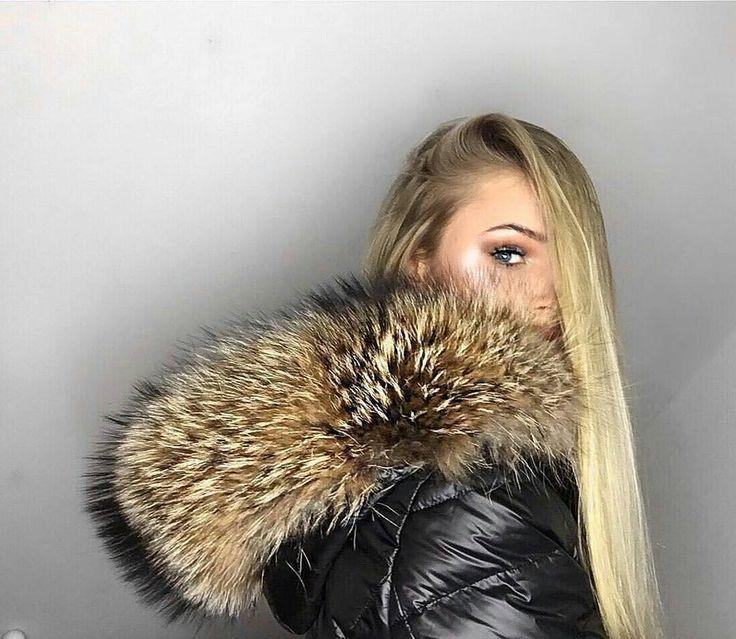 @Regrann from @lauramodzelewski -  so in love with my new @welovefurs_com down coat❄️❄️ #fur #winter #pels #pelz #furfashion #furcoat #coat #fashion #pelt #fell #winterfashion #pelzmode #pelzmantel #peltjacke #furlove #luxury #furry #rich #pelliccia #futro #lookbook