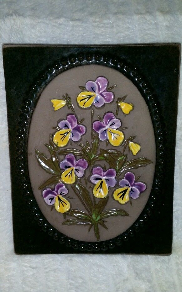 SWEDISH PANSIES FLOWERS POTTERY TILE 892 JIE GANTOFTA, AIMO DESIGN.VINTAGE