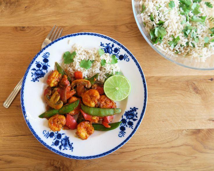 'SUPERFOOD' CURRY Deze curry is gemaakt van pure ingrediënten: zonder pakjes & zakjes. Dat maakt deze curry niet alleen extra gezond, maar ook extra lekker!