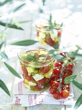 Rezept: Eingelegte Kirschtomaten mit Ziegenfeta