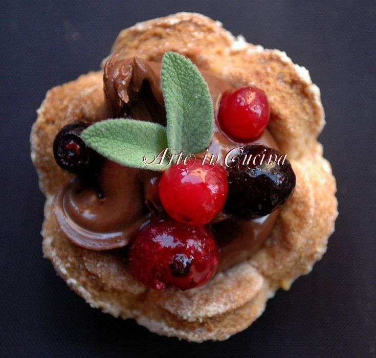 Dolci veloci con nutella e frutti rossi