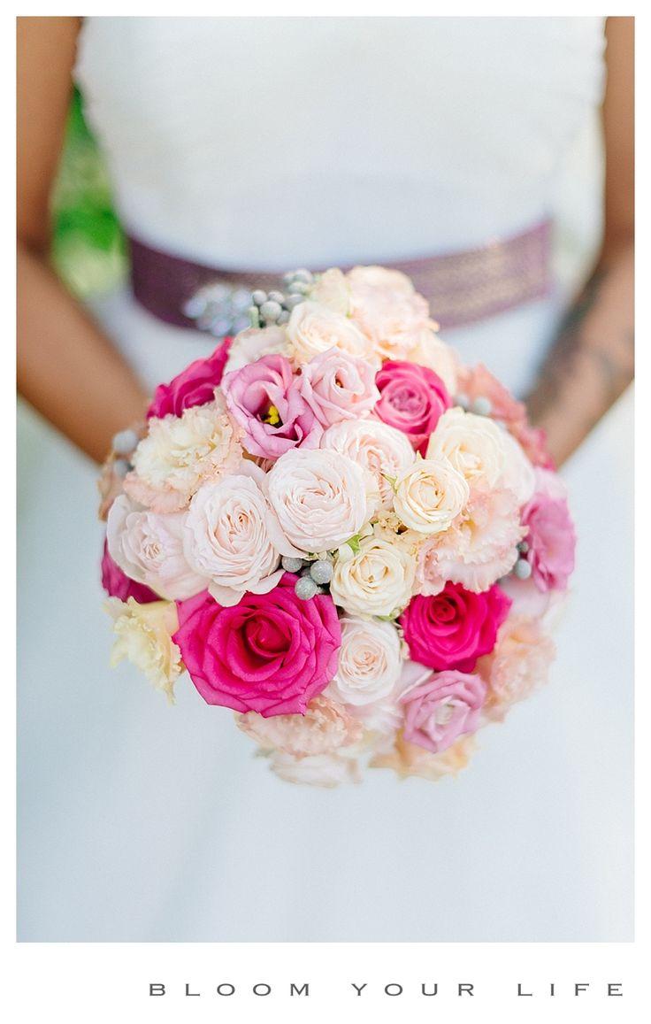 Gorgeous bridal bouquet with roses, spray roses, lisianthus  photographer:  Alexandra Vonk floral design: Bloom Your Life venue: Huize Frankendael