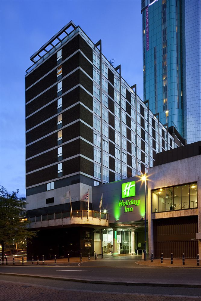 Holiday Inn Birmingham City Centre, Birmingham , England --  Check Availability and the Best Rates here >>  http://www.lowestroomrates.com/Birmingham/Holiday-Inn-Birmingham-City-Centre.html?m=p   Holiday Inn Birmingham City Centre is centrally located in Birmingham, steps from Birmingham Royal Ballet and Old Rep Theatre. This family-friendly hotel is close to Bullring Shopping Centre and International Convention Centre.  #HolidayInnBirmingham #BirminghamHotels