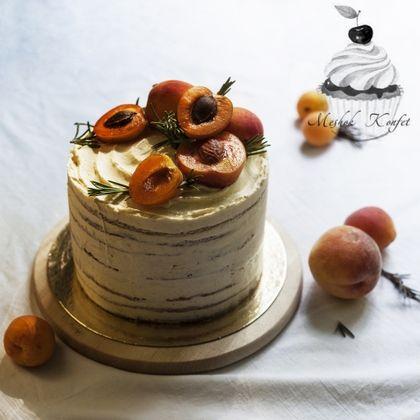 Ароматный, мягкий медовик, прослоенный нежным сметанным кремом с натуральной ванилью. Цена указана за 1 кг. cake