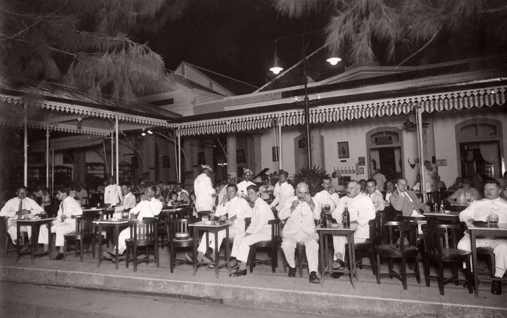 Restaurant Hellendoorn in Soerabaja ca 1928