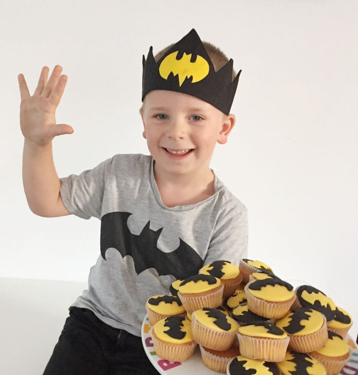 #cupcakes #batman #superheldenfeestje #birthdayparty #verjaardagskroon #superhero