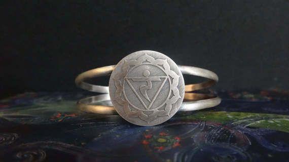 The Solar Plexus Chakra bracelet for strength by IndiejewelsShop