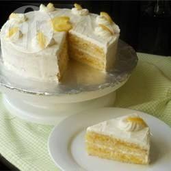 Bolo de limão recheado com cobertura @ allrecipes.com.br