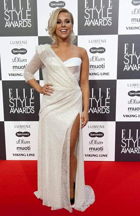 Krista Siegfrids Elle Style Awardseissa lokakuussa 2014. Asu Mert Otsamo