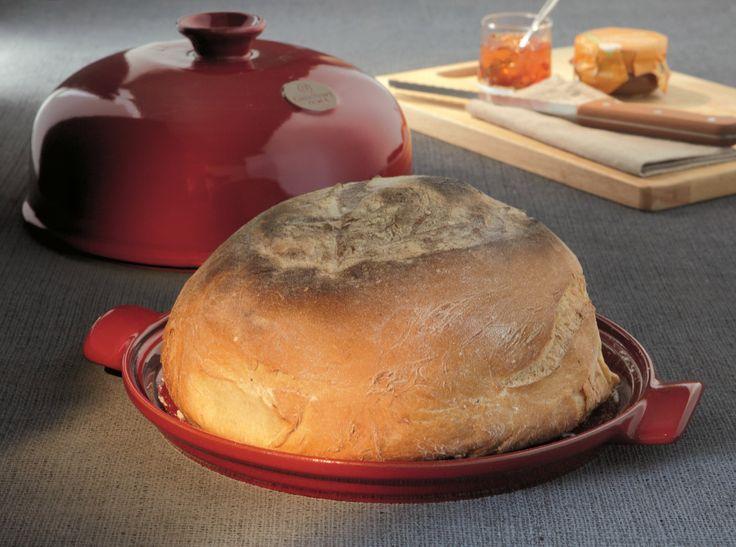 Klosz piekarniczy  do chleba - czerwony - Emile Henry - DECO Salon #cover #baking #bread #kitchenaccessories #baking #giftidea