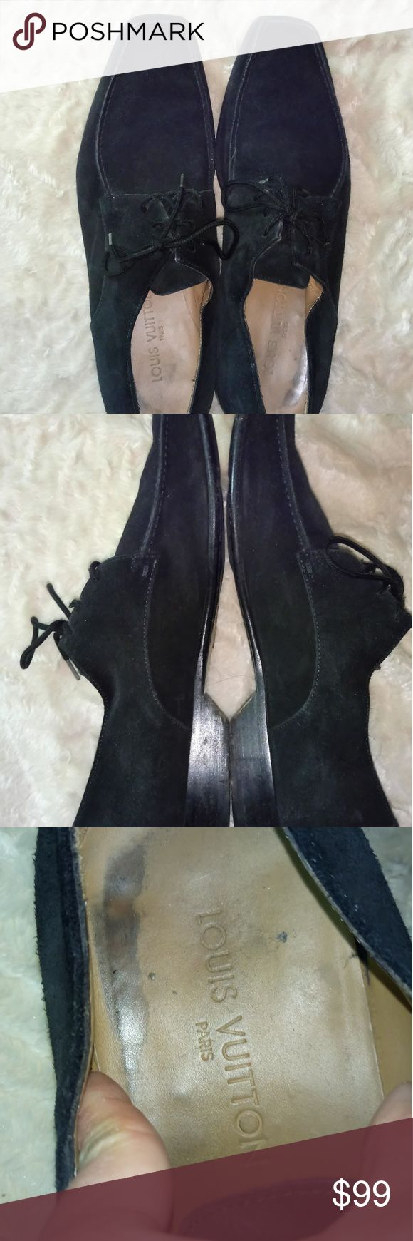 Louis Vuitton Men Shoes 100% authentic. The condition is good just normal sign of used. The tide string is tear but still OK to tide. The outside look great. Very stylish. I already lowered the price a lot so price firm. Louis Vuitton Shoes Sneakers