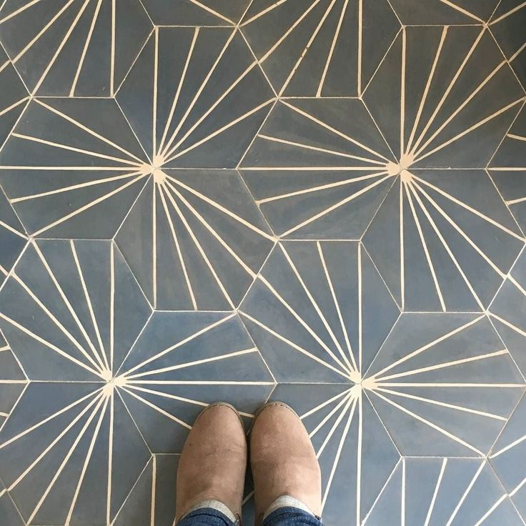 At last we've experienced the iconic Dandelion #tile collection by @marrakechdesign in real life. It's as cool in person as it is in all the #instafab photos we often see online! No wonder this look has a truly global fanbase! / #tiletuesday #tiles #tiled #tiling #tilework #tiledesign #tileaddiction #claessonkoivistorune #kakel #klinker #fliser #tiles #flooring #cementtiles #interior #interiors #interiordesign #interiordesigner #idcdesigners #ihavethisthingwithfloors #selfeet #instadecor…