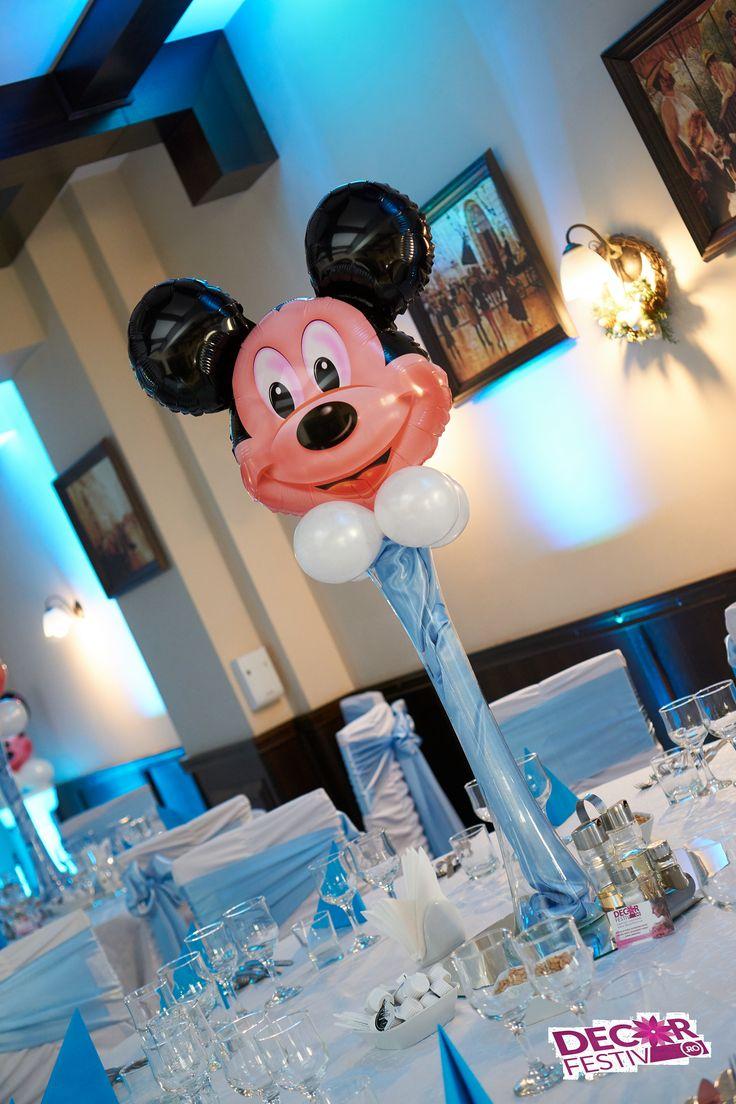 Decor pentru masa de invitati cu vaza si balon Mickey  #decorbotez #boteztematic #vazaMickey