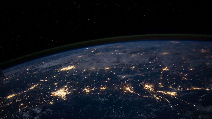 """Xavier Niel cofonde un fonds d'investissement """"vert"""" avec Bill Gates et Mark Zuckerberg - https://www.freenews.fr/freenews-edition-nationale-299/galaxie-niel/xavier-niel-cofonde-fonds-dinvestissement-vert-bill-gates-mark-zuckerberg"""