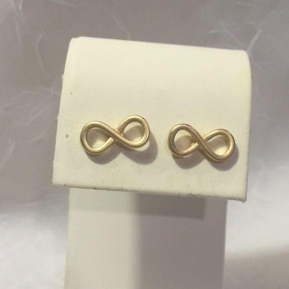 NEW gold infinity earrings Gold tone. Pierced studs. Jewelry Earrings