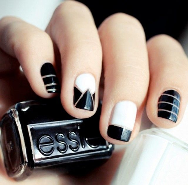 9+Negative+Space+Manicures+That+Are+Surprisingly+Sophisticated+via+@byrdiebeauty