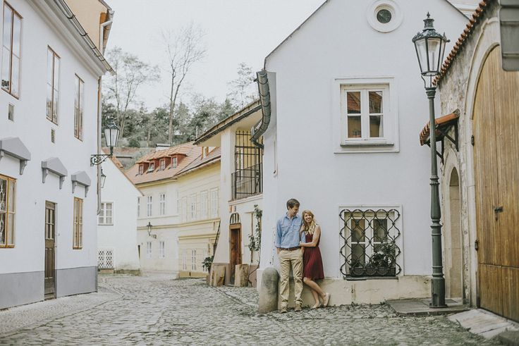 Romantic Prague Holiday Couple Photoshoot | Ceranna Photography | Europe based Lifestyle and Destination Wedding Photographer