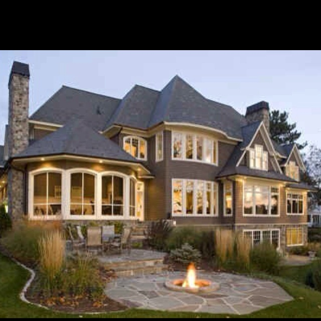 Big Homes that are awesome.