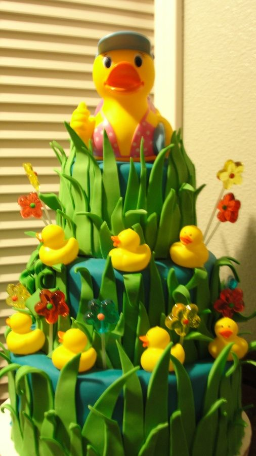 Rubber duck cake. @Tiffiny Kallina Rascon reminded me of u