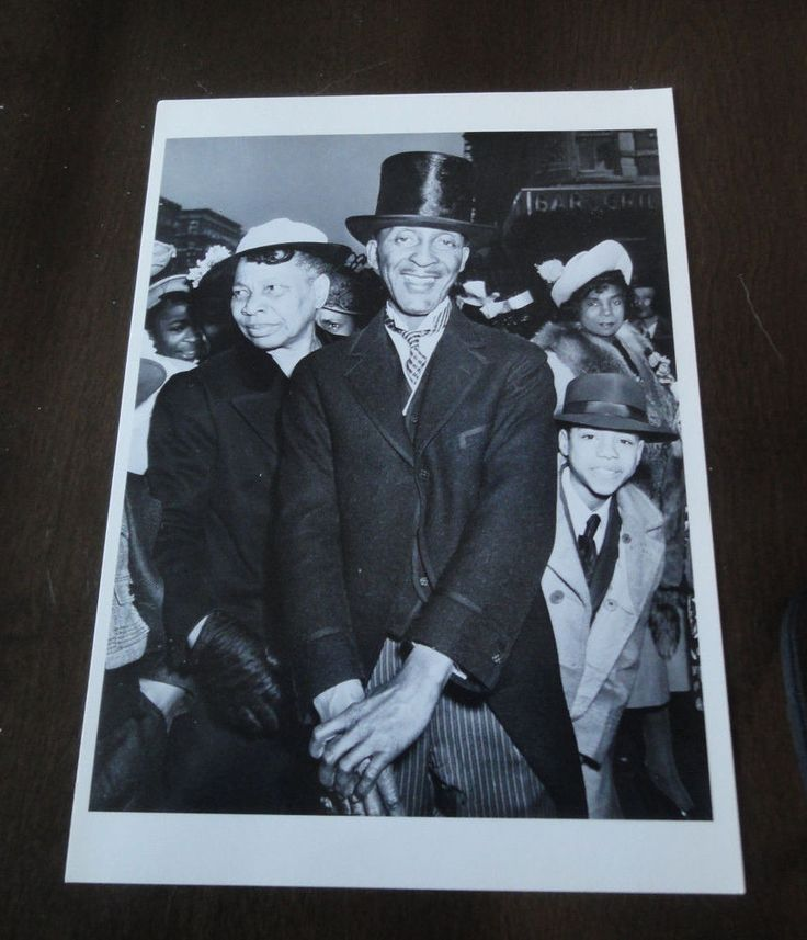 Easter Sunday In Harlem, New York, 1940 By Weegee Fotofolio Postcard