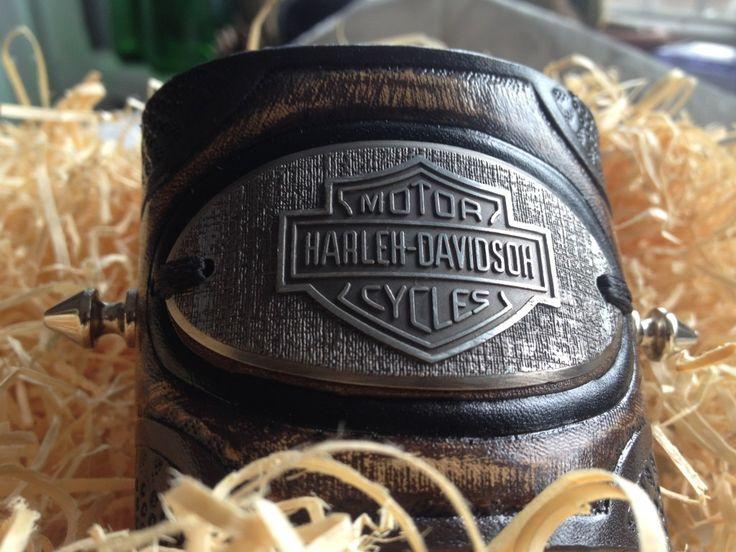 For Sale Hand-carved leather bracelet Hard Rock Art by Reyhan Halid  Готова гравирана кожена гривна за нечия ръка,любител/а на Харлей Дейвидсън нещо Арт Хард Рок изделие.