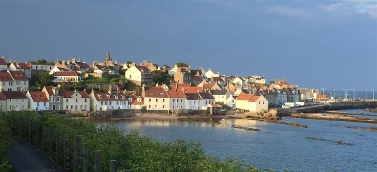 Short break holiday accommodation in the historic harbour village of Pittenweem, in the East Neuk of Fife, Scotland