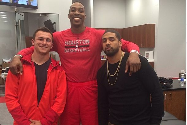 Dwight Howard Poses with Johnny Manziel and Arian Foster at Toyota Center | Bleacher Report