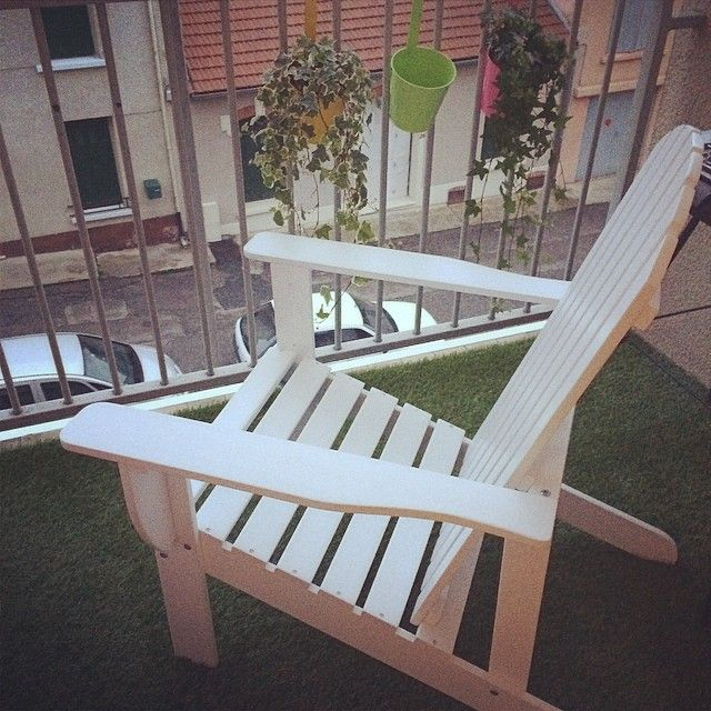 on my balcony sue mon balcon chaise style adirondack alin a pots ik a my home mon. Black Bedroom Furniture Sets. Home Design Ideas