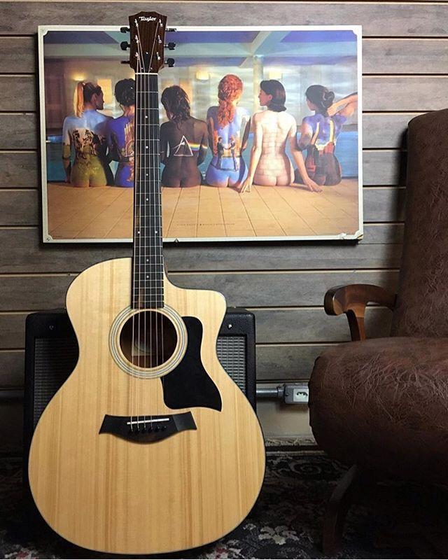 Repost from @rafaellojagaragem Taylor 114 Ce 🌀 #guitar #guitars #guitarist #guitarra #music #acoustic #guitarsarebetter #rockstarguitar #guitarsdaily #geartalk #guitarspotter #taylor #clubegaragem #acousticaguitar