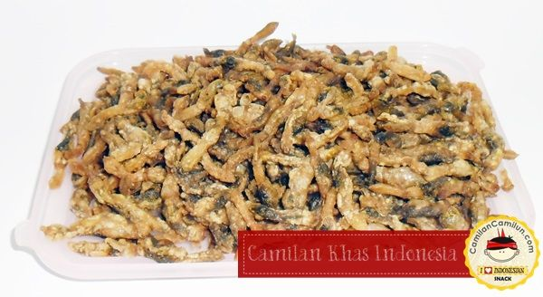 Fried Lorjuk a.k.a Razor Clam with traditional spices. Fried Lorjuk is traditional snack from Kenjeran beach, Surabaya, Indonesia   .............................................. For further information about Indonesian Snack, let's follow Facebook: www.facebook.com/CamilanCamilunID Camilan Khas Indonesia Indonesian Traditional Snack