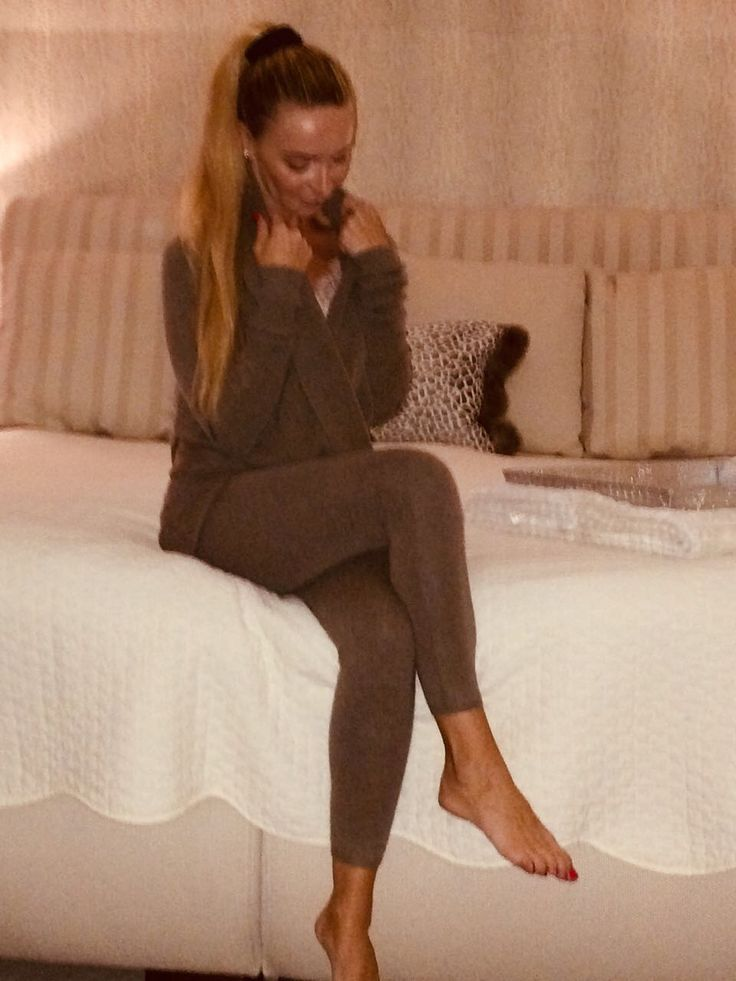 Cozy homewear from Simone Cuntz.