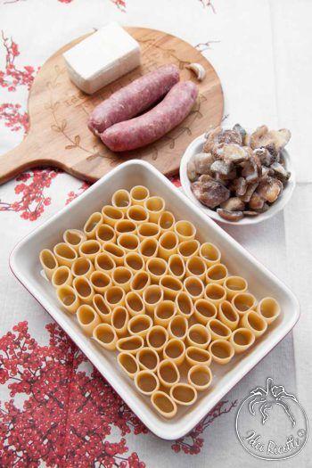 Paccheri ripieni con salsiccia stracchino e funghi al forno | IdeeRicette