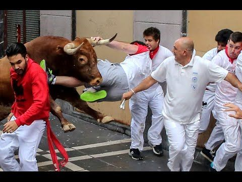 San Fermín 2014, Encierro Toros en Pamplona / Running of the Bulls [IGEO.TV] - YouTube