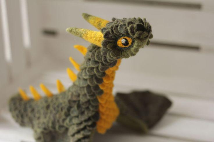 Купить Рэйгаль, валяный дракон - зеленый, дракон, дракон игрушка, дракон фигурка, валяный дракон